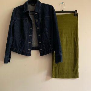 Dresses & Skirts - Green Midi Skirt
